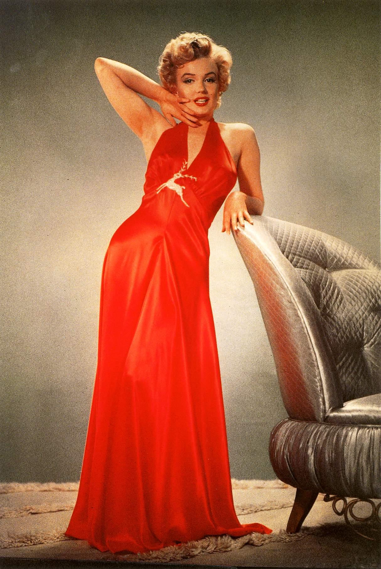 Женщина в хорошем платье